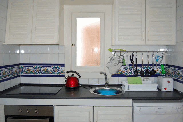 itsh 1522050560HTILRA ref 1704 mobile 8 Fully fitted kitchen Villamartin Plaza