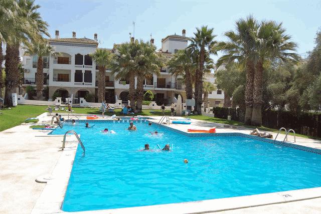 itsh 1573152470RKPILY ref 1744 mobile 13 Communal Pool for the resort complex Villamartin Plaza