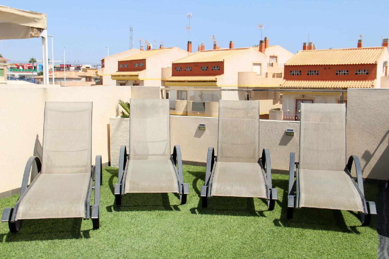 itsh 1632172264OFCWJT ref 1771 mobile 13 Relax in the sun on your private solarium La Zenia