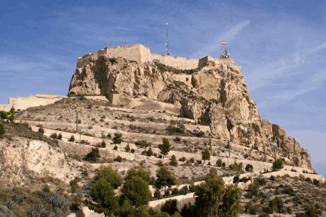 itsh 1521901332FXBPML ref 1698 mobile 12 Local sights, Castle Santa Barbara in Alicante Villamartin Plaza
