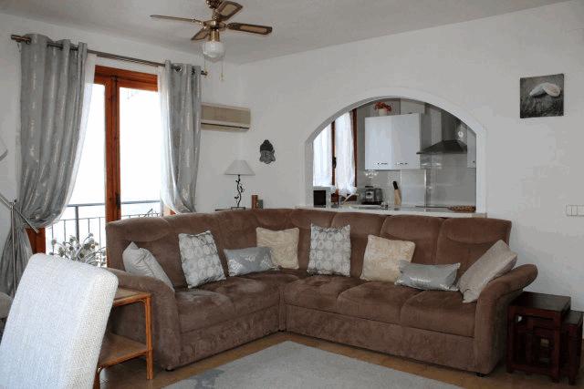 itsh 1522133366LVTRJM ref 1724 mobile 4 Luxury living room of the apartment Villamartin Plaza