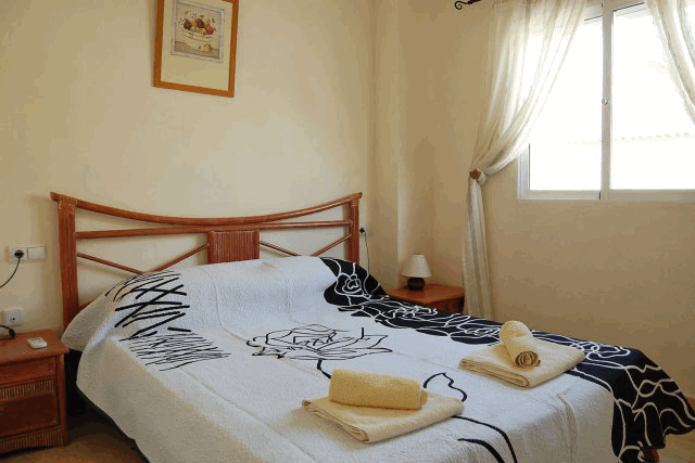 itsh 1521881460TQWANP ref 1712 mobile 10 Master King Size Bedroom Playa Flamenca