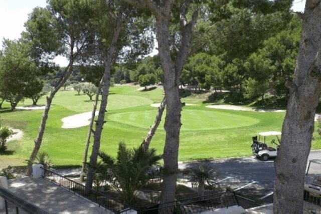 itsh 1601326987YFJCWM ref 1762 mobile 17 Villamartin Golf Course next door Villamartin