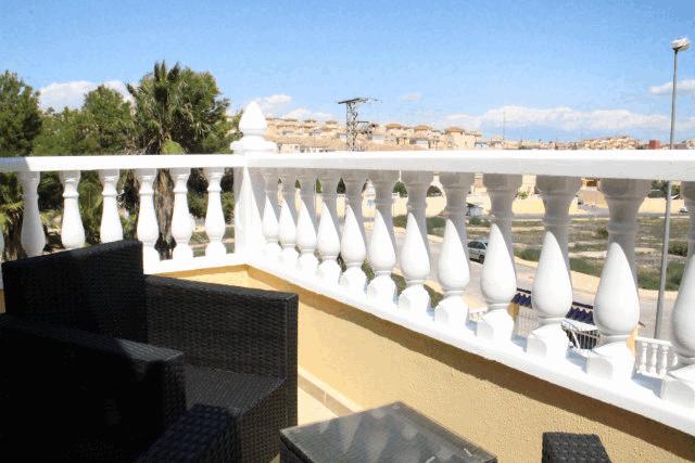 itsh 1573332353HUYLBQ ref 1750 mobile 14 balcony off of bedroom El Galan