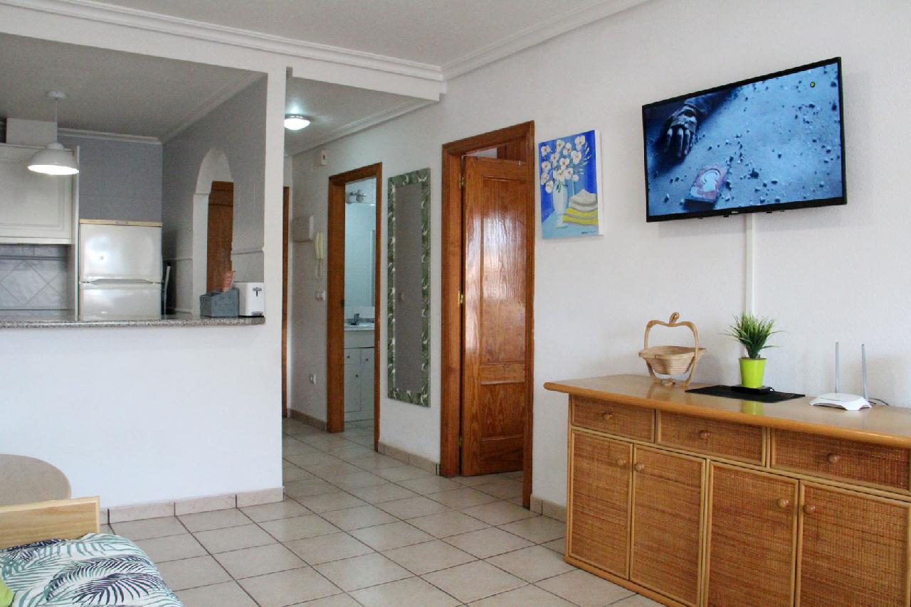 itsh 1629758820XRZLEF ref 1767 mobile 5 Television and FREE WIFI Cabo Roig