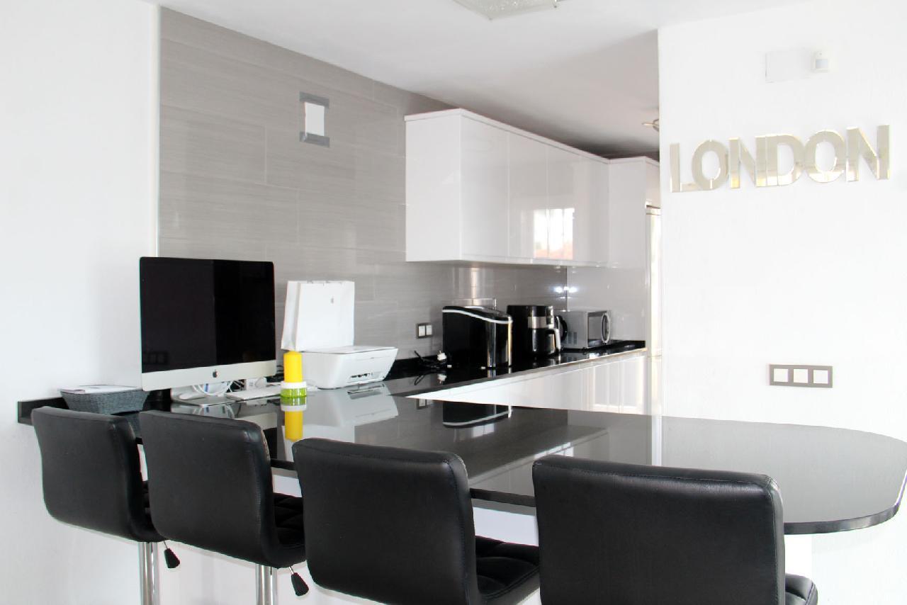 itsh 1631312124YNWEKC ref 1768 mobile 11 Fully fitted modern kitchen Villamartin