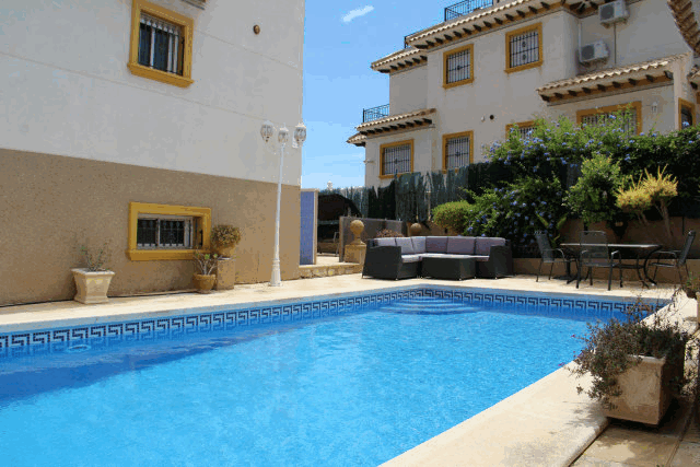 itsh 1591917851KBDQSH ref 1760 mobile 1 Large private pool and seating area Villamartin