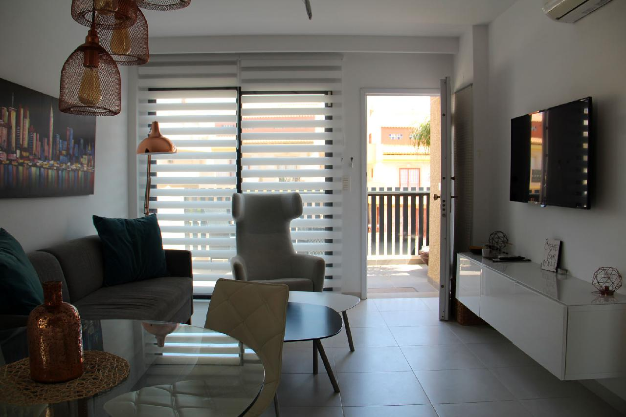 itsh 1632172264OFCWJT ref 1771 mobile 5 Modern decor living room La Zenia