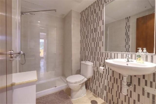 itsh 1631314728WBIAPF ref 1769 mobile 12 Ensuite shower room Punta Prima