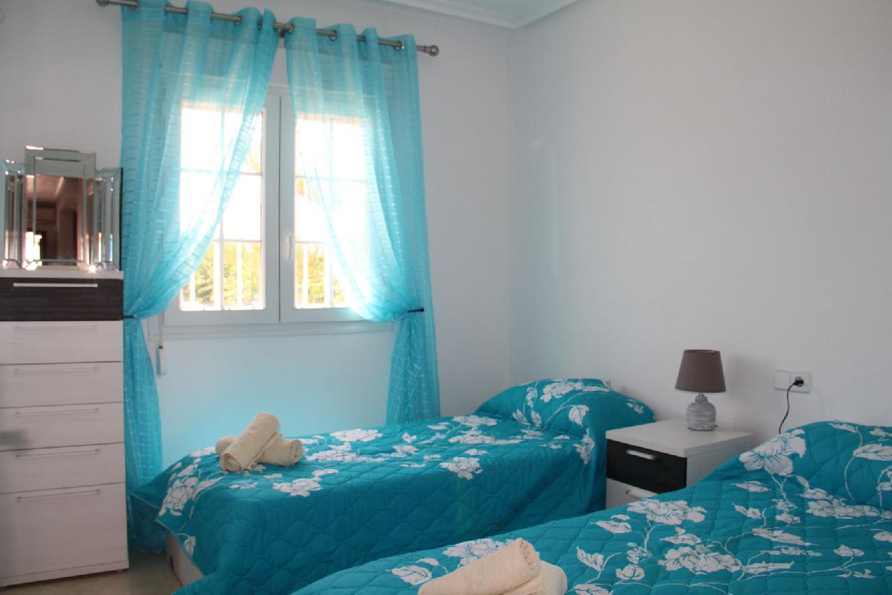 itsh 1626990600YRKJUD ref 1766 mobile 11 Large 2nd Bedroom with 2 Single Beds Villamartin