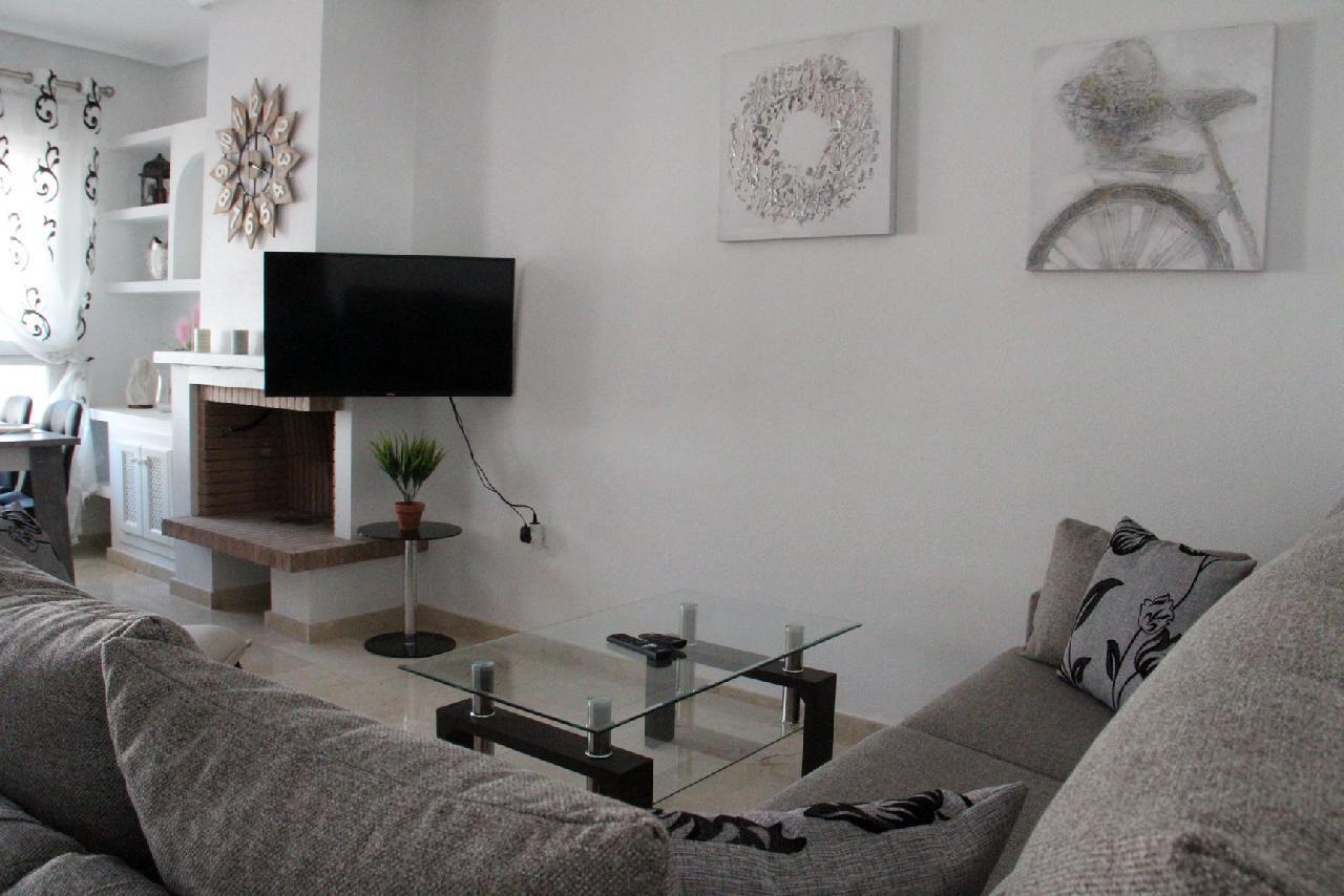 itsh 1626990600YRKJUD ref 1766 mobile 6 Spacious Living Room WIFI Int'l TV Villamartin