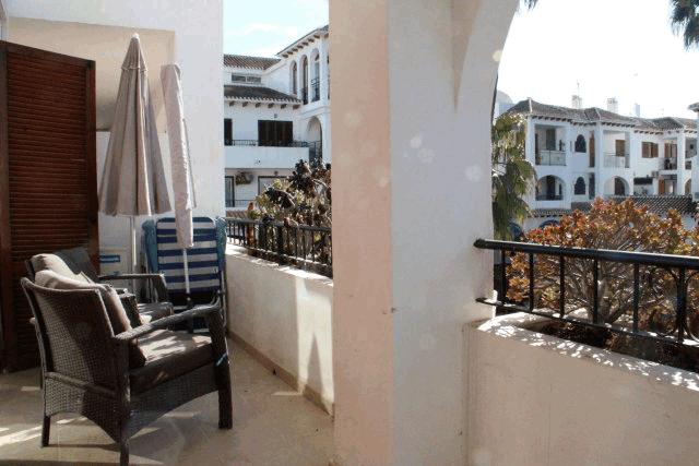 itsh 1573152470RKPILY ref 1744 mobile 11 Very large balcony Villamartin Plaza