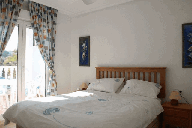 itsh 1578332977JCAXUS ref 1753 mobile 6 Master Bedroom with ensuite shower and opens to balcony Villamartin