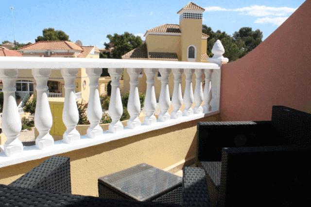 itsh 1573332353HUYLBQ ref 1750 mobile 12 balcony off of bedroom El Galan