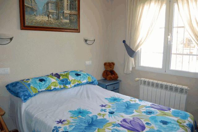 itsh 1521808891JUAKSG ref 1695 mobile 9 Double bedroom with builtin wardrobes Blue Lagoon