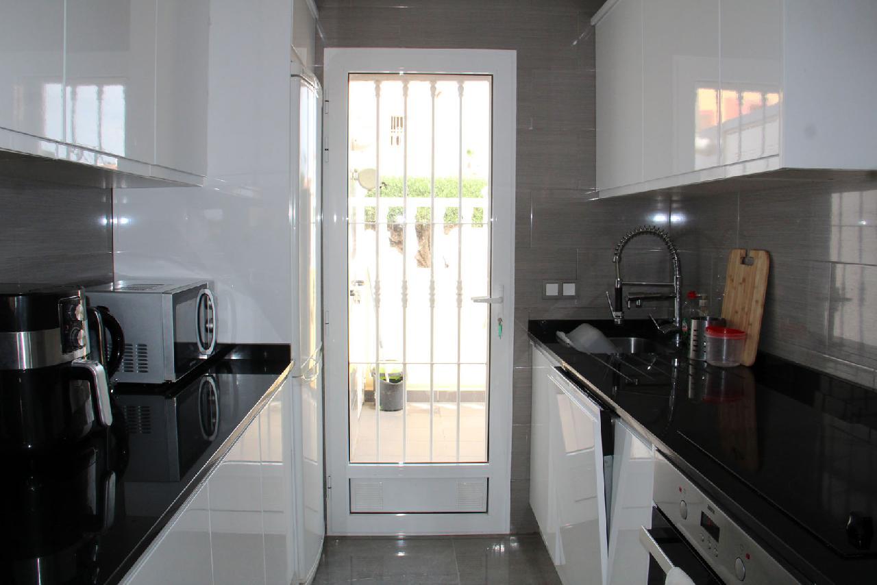 itsh 1631312124YNWEKC ref 1768 mobile 9 Fully fitted modern kitchen Villamartin