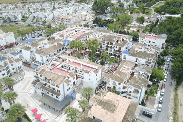 itsh 1522138368SXEZUQ ref 1730 mobile 24 The Villamartin Plaza by drone! Villamartin Plaza