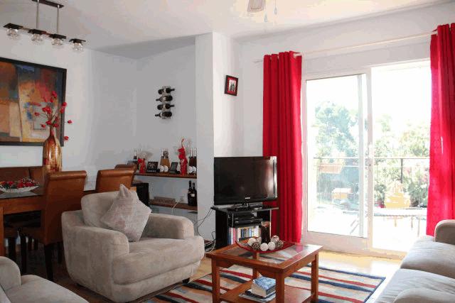 itsh 1573260885CPLUHS ref 1747 mobile 3 Large spacious living room Villamartin Plaza