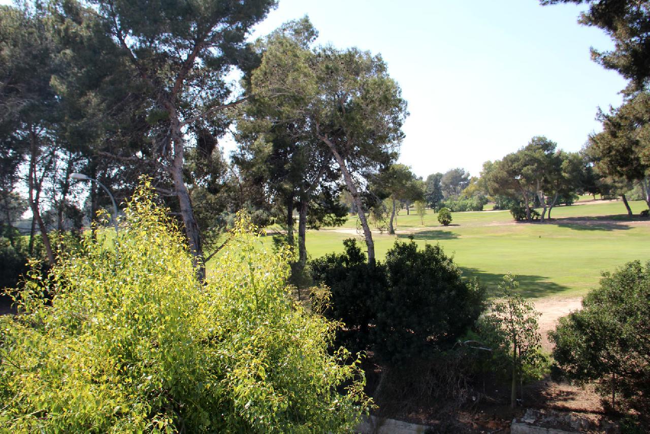 itsh 1521811608XWKVNQ ref 7 mobile 9 1st hole of the Villamartin Golf course Villamartin Plaza