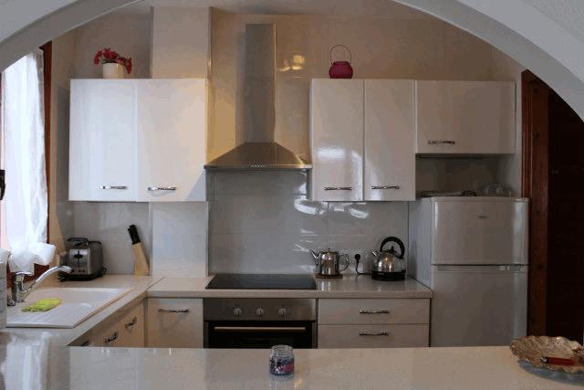 itsh 1522133366LVTRJM ref 1724 mobile 7 Fully fitted American style kitchen Villamartin Plaza