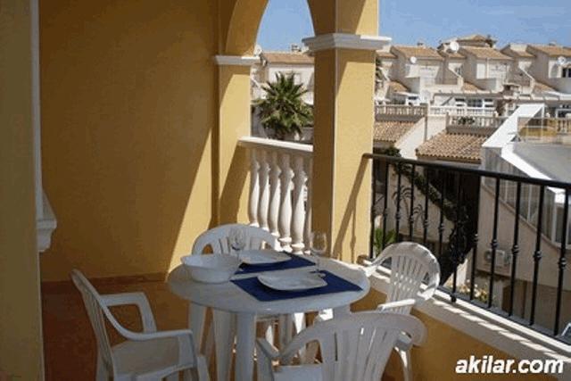 itsh 1553589344PVIFKX ref 1109 mobile 2 Large balcony to dine on Villamartin