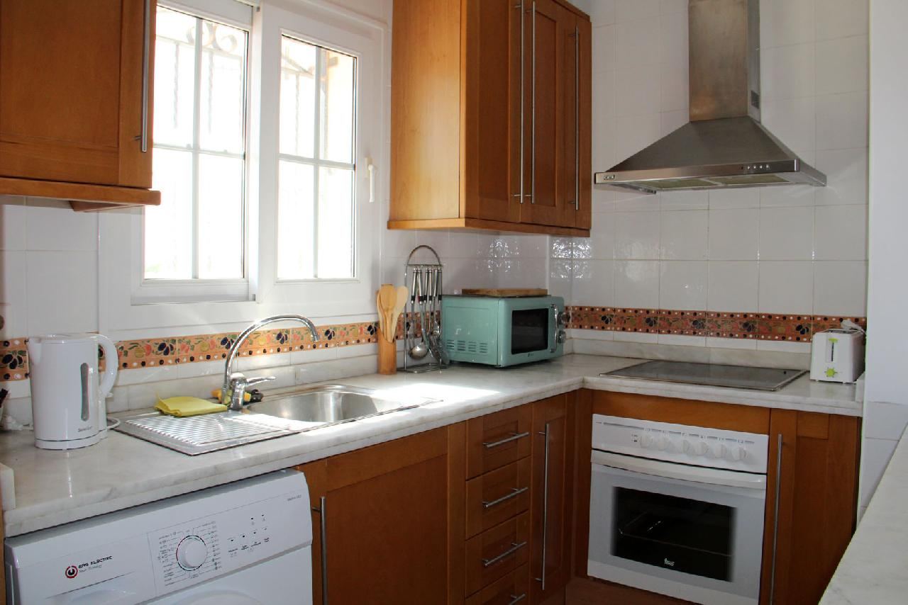 itsh 1522046576TOFMCN ref 1627 mobile 7 Large fully furnished kitchen Villamartin