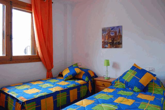 itsh 1522050560HTILRA ref 1704 mobile 10 Bedroom two of the apartment Villamartin Plaza